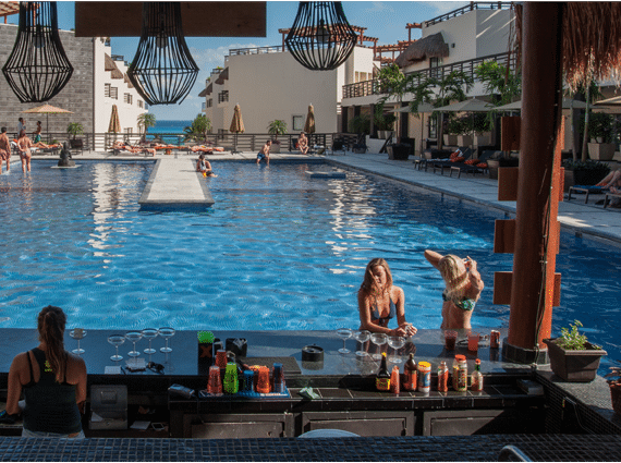 Pool Bar Hotel Aldea Thai Playa del Carmen